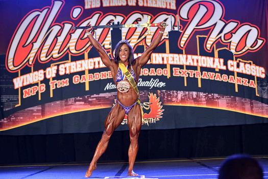 Chicago Pro champion, IFBB Pro Sarah Villegas posing routine